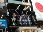 Fake Japan in Japan EXPO 韓国ブースに日本の国旗が掲げられ「SHINee」のPV