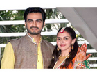Gorgeous Esha Deol's Grand Mehendi Ceremony - Bollywood News